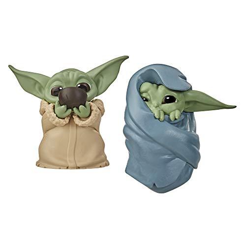 """Star Wars The Bounty Collection The Child """"Baby Yoda"""", schlürft Suppe und ist in eine Decke gehüllt, 5,5 cm große Figuren, 2er-Pack"""