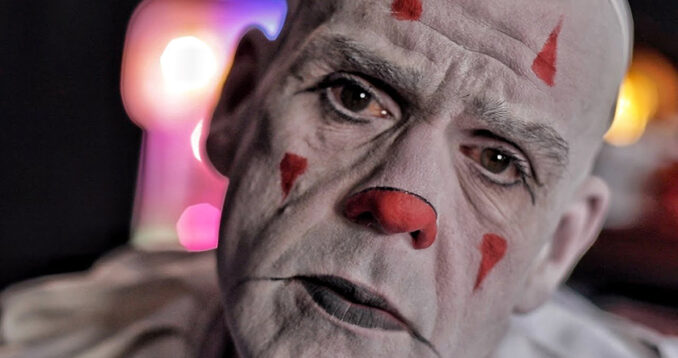 Puddles Pity Party - Der traurige Clown mit der goldenen Stimme